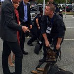 The Duke and Mme Grégoire Trudeau were introduced to a friendly Canadian police dog #RoyalVisitCanada https://t.co/FW5TkDXzjR