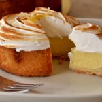 5 places to find delicious lemon tarts in Metro Vancouver https://t.co/4OT4Knl2qa #Vancouver #yvrfood #desserts https://t.co/3oZcYW3ELr