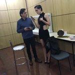Sophia com o seu tio Fernando Sampaio no camarim do PJB 2016. Linda, né non? #SophiaAbrahãoNoPrêmioJovem https://t.co/zJ1csOwKfI
