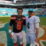 Representing Bakersfield after the game. Cody Kessler @Browns & Matt Darr. @MiamiDolphins. Go Bako. https://t.co/qZn6uk7FIC
