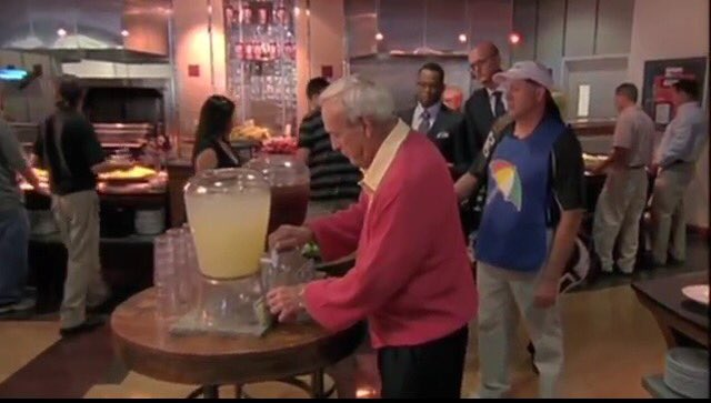 The best Sportscenter ad: Arnold Palmer getting an Arnold Palmer. R.I.P. https://t.co/tFE7OF7ZVE https://t.co/IJDpFJxnuh