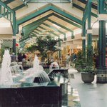 Back when the AV mall had water fountains inside, only 90s kid will remember. https://t.co/gcD8pW4zy7