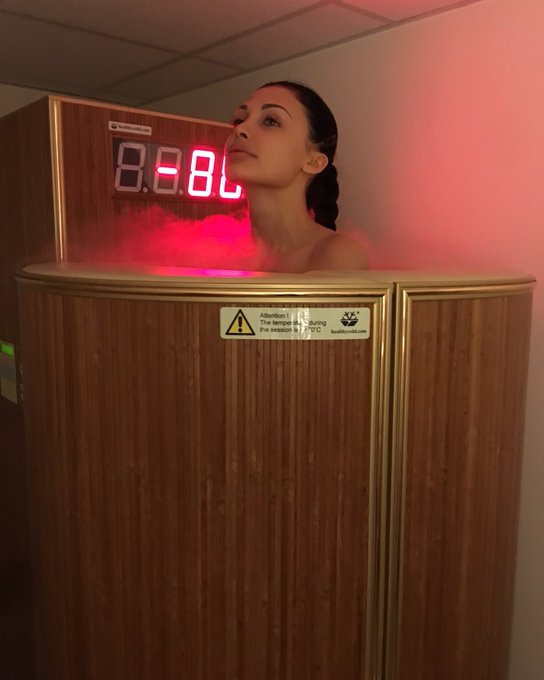 Cryotherapy(-140C) Great before gym https://t.co/UTfFcp4puI