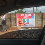 """When recession hit APC """"campaign"""" in Edo, they no longer share rice, they now offer Akara All na change... https://t.co/twE9asrPcW"""