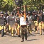 شک نہیں ن-لیگ دہشتگردوں کی سہولت کار ہے کیا پاکستان کی جمہوریت اب ڈنڈوں و گهنڈاسوں سے چلےگی @ISPR_Official #NawazBigThreat4Pak https://t.co/YgD1jREHXW