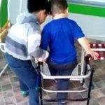 El tierno gesto del niño que ayuda a otro con parálisis cerebral para que pueda jugar https://t.co/C5rUbKbQZv https://t.co/ntoWDgcmFW