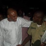 BIAFRA: NNAMDI KANU DELAYED FROM GOING TO COURT BY PRISON OFFICIALS: INSISTED ON APPEARING… https://t.co/W7wnW141ft https://t.co/Rk6TAmyl34
