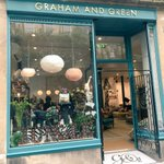 Fantastic #WalcotSt Your #kidslitwindows are a triumph. We wouldnt want to be a @Bathfestivals judge! @GrahamandGreen @walcotbath https://t.co/vUpYhZre4R