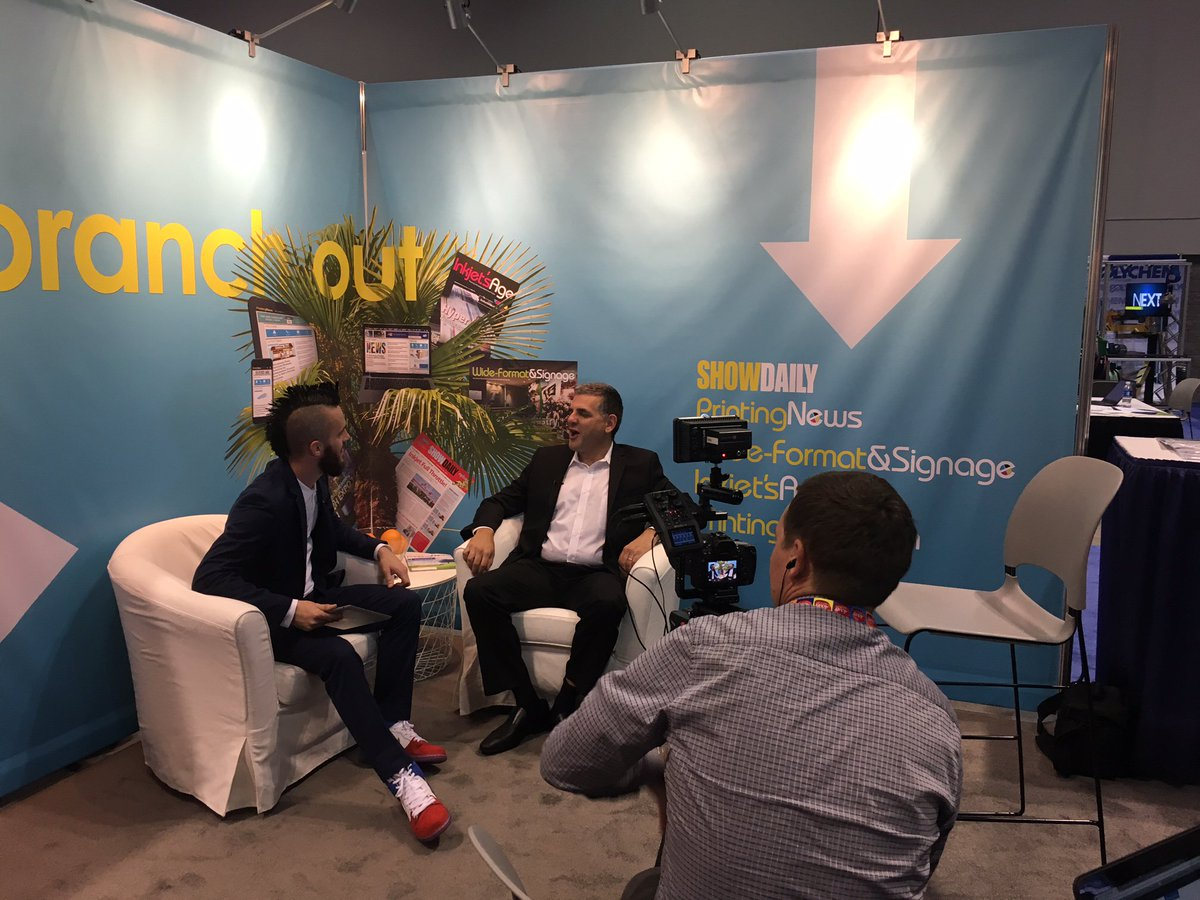 .@GuyGecht sits down w/ the @TheMohawkMan at #GraphExpo to talk print. https://t.co/l6sW6vtO4y