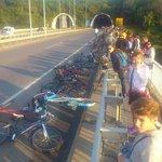 Jer lepim ne može, protest novosađana jer im naplaćuju 5.000 din kad voze bicikl preko mosta https://t.co/vpZMwzmJcW