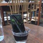 """لما تضهر وبدك تحلي العالم تعرف انو معك iphone 7 : """" اذا جبتوه يعني 🤓 """"اذا"""" """" https://t.co/UcL7tkUMvf"""