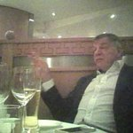 The man is sat in a Chinese restaurant, drinking a pint of wine. We should be giving him a pay rise and a statue https://t.co/zWsMoM5xoD
