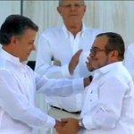 [AMPLIACIÓN] #Colombia: el Gobierno y las #FARC firmaron el acuerdo de paz en Cartagena ► https://t.co/c2bNkcqn4U https://t.co/n6hEx5ELfL
