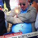 Ojalá te hubieras aferrado a mí con la misma fuerza con que se aferran los botones de José Miguel Insulza. https://t.co/ve9VEglZZa