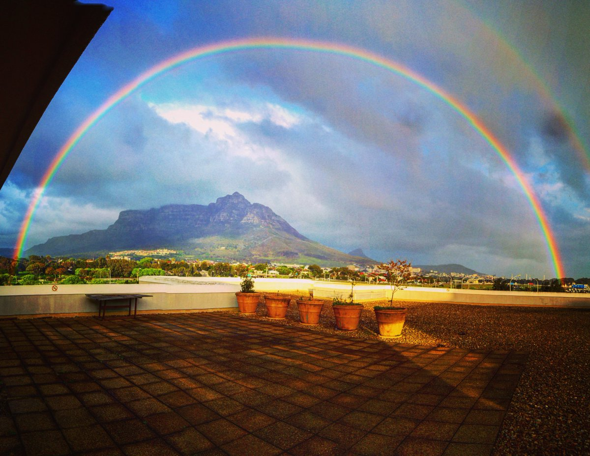 The beauty of creation! Double rainbow over #TableMountain ! https://t.co/844iIfhVFY