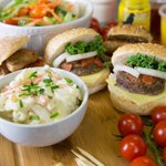 #LunchTime for us in #Newcastle and were pushing the boat out with Burgers from our Hot Food Menu! #NorthEastHour https://t.co/cRylhmxX5g
