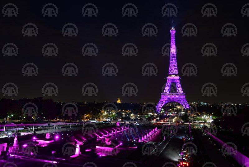 Kulla #Eiffel në mbështetje të luftës kundër kancerit në gji  https://t.co/UrVY7 ...