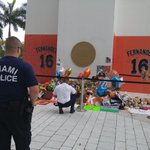 This morning, members of @MiamiPD and @CityofMiamiFire came out to pay their respects to #JoseFernandez https://t.co/u02VdWZjam