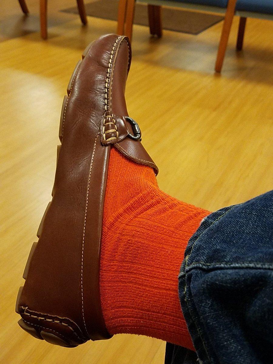 Never a bad day for #orange socks. Cc @seanmcginnis https://t.co/m9siE058Dq