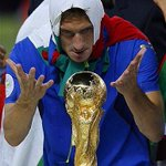 Buon compleanno capitano!!! #Totti40 https://t.co/KSzWOSoD4U