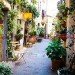 #CotedAzurNow le beau village de #Mougins notre superbe region https://t.co/rtxPtO8fue