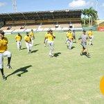 Arranca el segundo día de entrenamientos en el #EstadioCibao. #AguilasCamp #Dia2 #LaLeñaTaAquí https://t.co/L294TJndvw