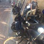 Je zult maar in een rolstoel zitten en door Amsterdam moeten..... @Pretpark020 https://t.co/9OAjR8JJUs