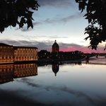 Bonne soirée à #Toulouse ! #visiteztoulouse https://t.co/3DigCcHlaa