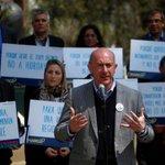 """Para no creer: no existen """"ningún registro de atención médica"""" de Rafael Garay en Chile https://t.co/7ZLxEFutle https://t.co/H0eBXWqaV4"""