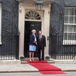Constructive first mtg with #UK PM @theresa_may to discuss #Bilateral Cooperation #Brexit #CyprusProblem https://t.co/pf6RZEzDTc