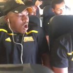 Being on a plane for the first time was too much for this Kennesaw State player... (via @TheDayOfZay) https://t.co/Jof8CEDGUp