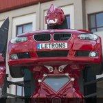 #شاهد|مهندسون #أتراك ينجحون خلال 8أشهر صناعةسيارة يمكن تحويلها لروبوت متحرك وهي أوّل سيارة من هذاالنوع من انتاج تركي https://t.co/3sxAxydeuA