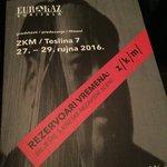 Kineski umjetnici su stigli u #Zagreb! #WenHui upravo otvara #Eurijala u @zekaem! https://t.co/EMppE4E9Cp