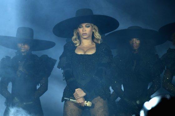 RickeySmiley : Here's #Beyoncé'