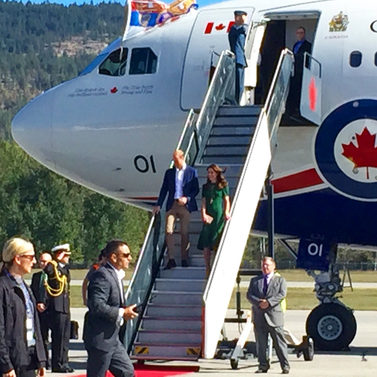 Proud to welcome the Duke and Duchess to #YLW earlier today! #RoyalVisitCanada https://t.co/FpI6xtzsFh