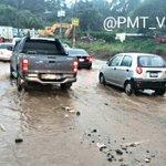 Se detiene circulación en #tráficovn km.17.5 ruta al Pacífico por acumulación de agua. Se coordina limpieza. https://t.co/HdwXHi42DA