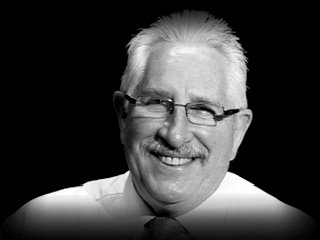 BREAKING: Reports Australian cricketing legend Max Walker has passed away age 68 https://t.co/Oxw1AHOkgZ