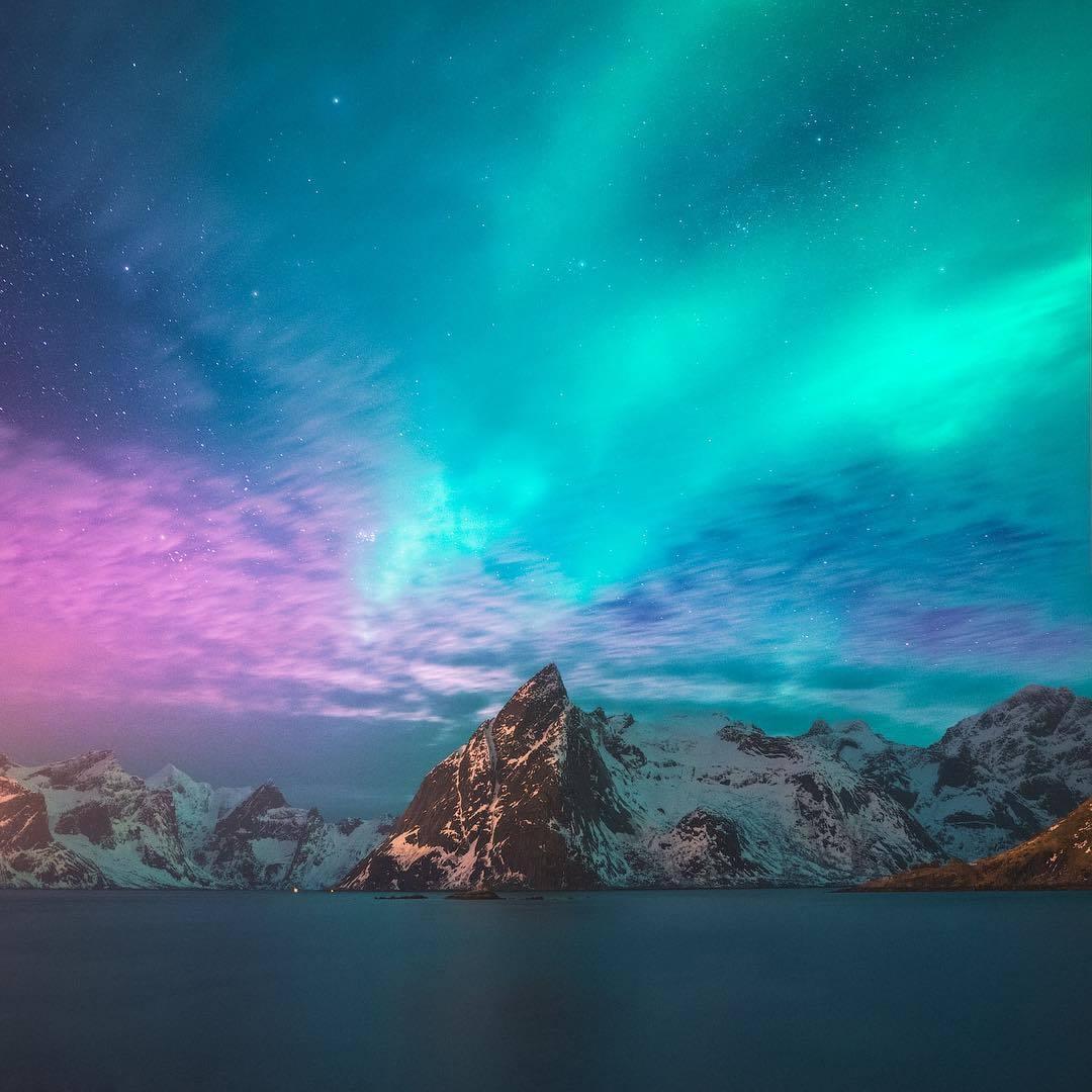 Beautiful scene in Lofoten! 💫 | Photo by Federico Penta (@fpenta on IG) https://t.co/CWaxYutv69