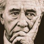 """""""Tu puoi seguire obiettivi piccoli come quelli del tuo ego, o grandi come quelli delle tue idee"""" #Peres #ShimonPeres https://t.co/DqQ0njknnL"""