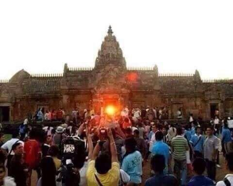 This is the sunrise from inside the Konark Temple. They say this event happens once in 200 years. https://t.co/tcd0DjtHCP