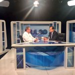 """Inicia entrevista Ministro @RicardoPatinoEC  en """"Pulso Político"""" en @EcuadorTV https://t.co/DCtukysMw9"""