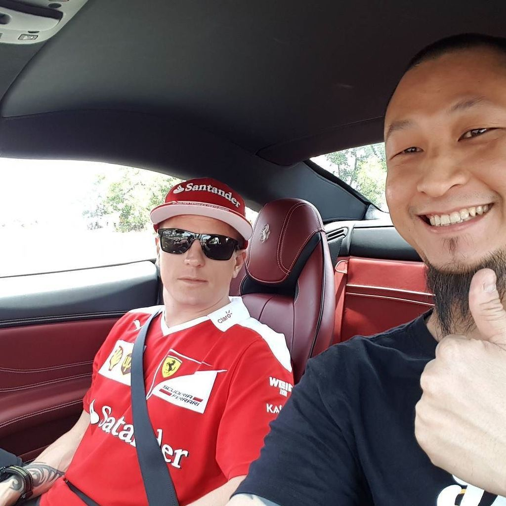 2007 F1 World Champ right there. I mean on the left. #kimiraikonnen #f1 #formula1 #cars #a… https://t.co/RYKAQ325Xu https://t.co/w2vtqx1oKU