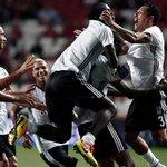 #Beşiktaş, Vodafone Arenadaki ilk Avrupa maçında bu akşam Dinamo Kiev ile karşılaşacak. https://t.co/zfu2thydJg https://t.co/bnUbyupXGl