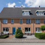 "@janjaapdevin - Verkocht: Haltewei 18 #Barendrecht Gelegen in de nieuwe populaire woonwijk ""Lagewei"".  https://t.co/GieYkT0O1m https://t.co/QDWBA7MyeN"