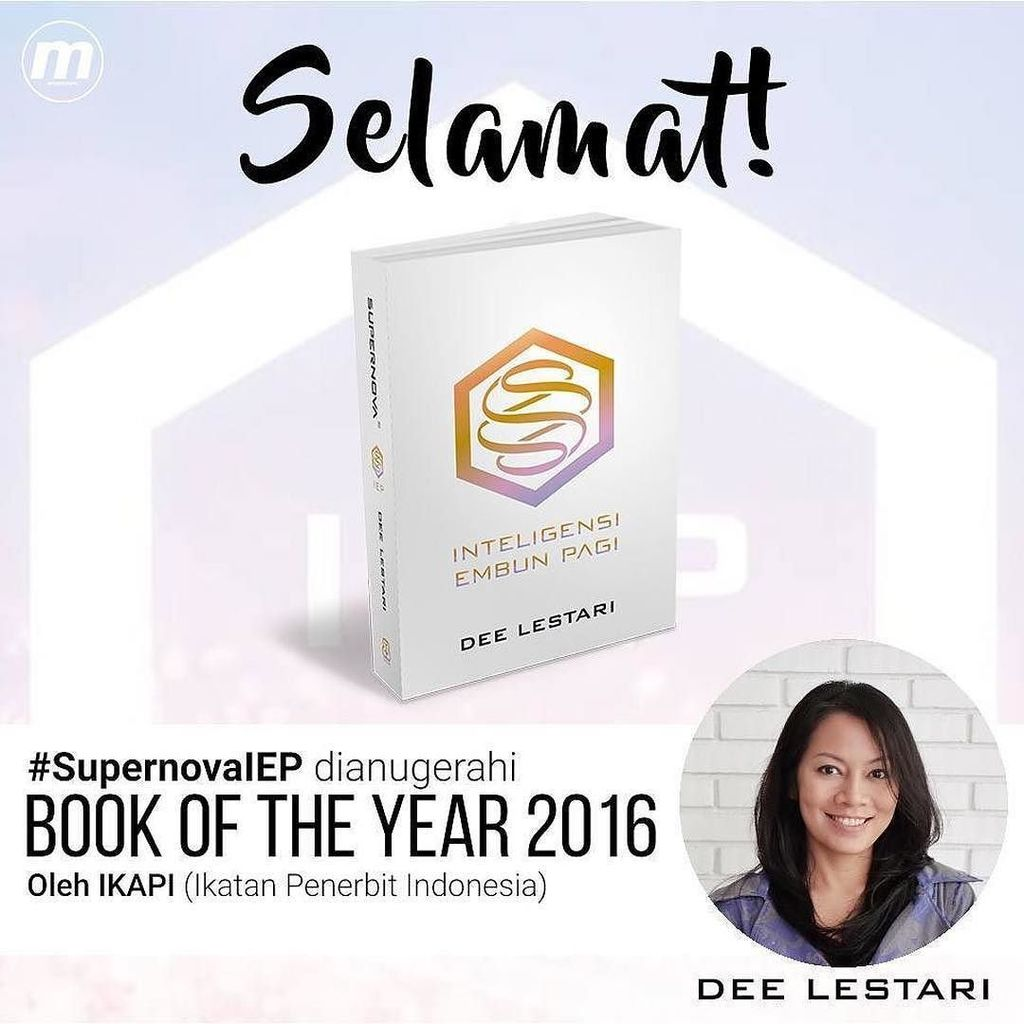 Bangga dan haru atas titel Book Of The Year 2016 yang diberikan untuk #SupernovaIEP Mamak … https://t.co/nOEqez0woL https://t.co/EjCDXQbvdg