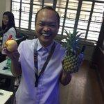 Sir Cortez with his Pen Pineapple Apple Pen 🖊🍍🍎🖊 #BestIICSProf 👌🏻 https://t.co/lgRrRC3LXD