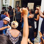 #Fees2017: 10 students arrested in Rhodes University protest https://t.co/wMzxaoUgTr https://t.co/rvUYjh1HKF