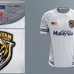 Jersey baru Malaysia . Black and blue just perfect ! https://t.co/GKMg2zevvZ
