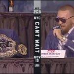 Conor McGregor fan calls out Eddie Alvarez during #UFC205 press conference 😳 VIDEO: https://t.co/3n85mDnEO9 https://t.co/rhdqLTbCOq