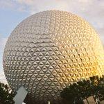 The Castle or the Globe? #FamilyTravel #Orlando #Florida #LoveOrlando #Disney https://t.co/FJbwJvRUFi
